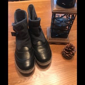 UGG Ankle Boots Ladies Size 10